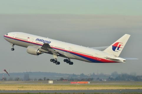 Boeing_777-200ER_Malaysia_AL_(MAS)_9M-MRO_-_MSN_28420_404_(9272090094)